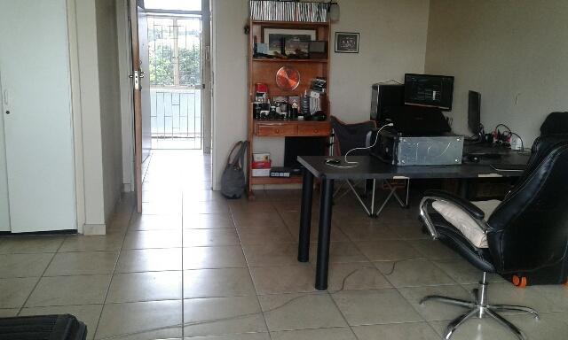Property For Rent in Parktown, Johannesburg 14