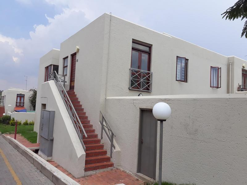 Property For Sale in Kew, Johannesburg 4