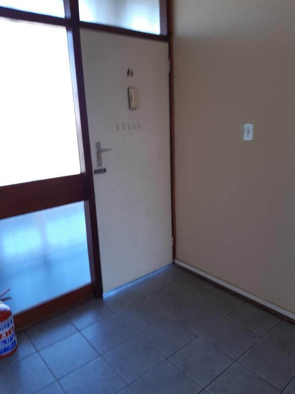 Property For Rent in Parktown, Johannesburg 12