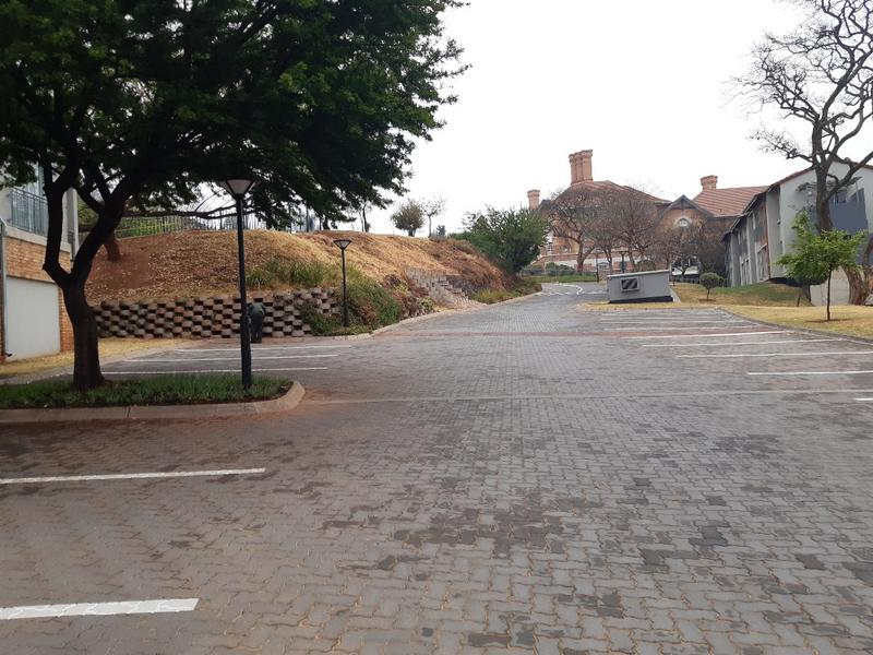 Property For Sale in Houghton, Johannesburg 14