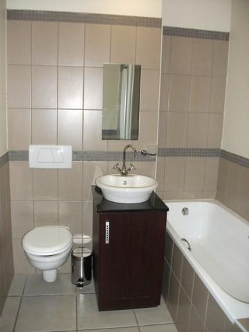 Property For Rent in Ferreirasdorp, Johannesburg 7