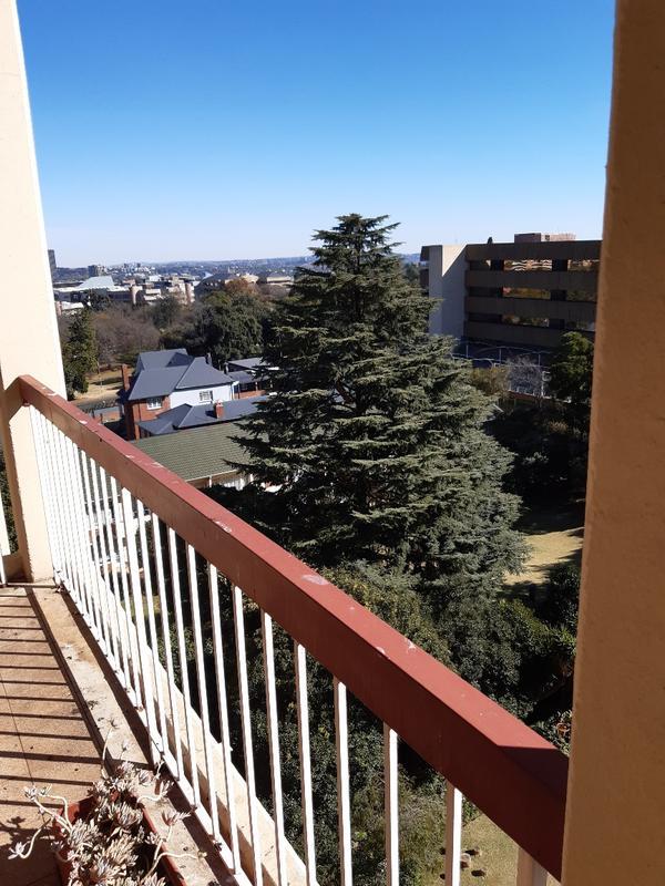 Property For Rent in Parktown, Johannesburg 8
