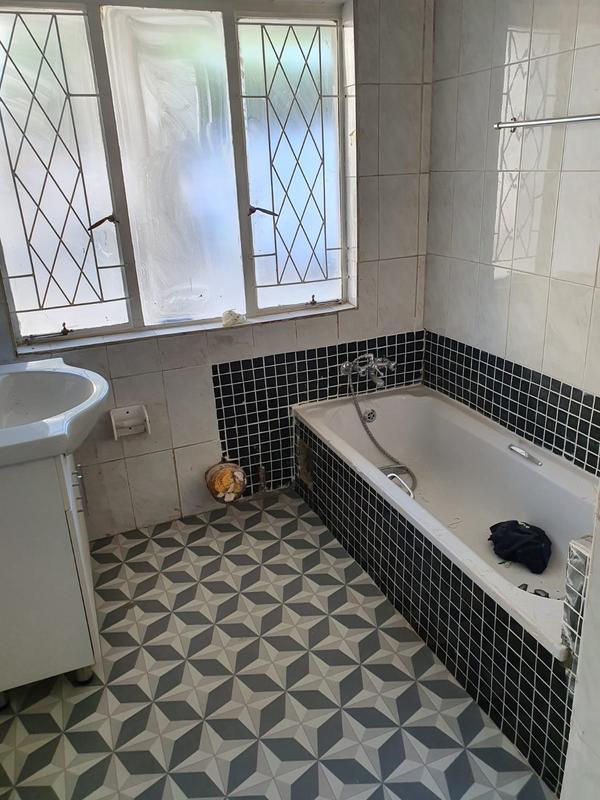 Property For Rent in Greenside, Johannesburg 5